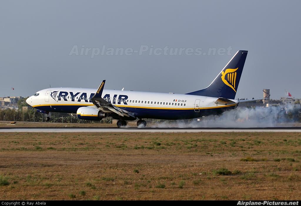 Ryanair EI-DLR aircraft at Malta Int