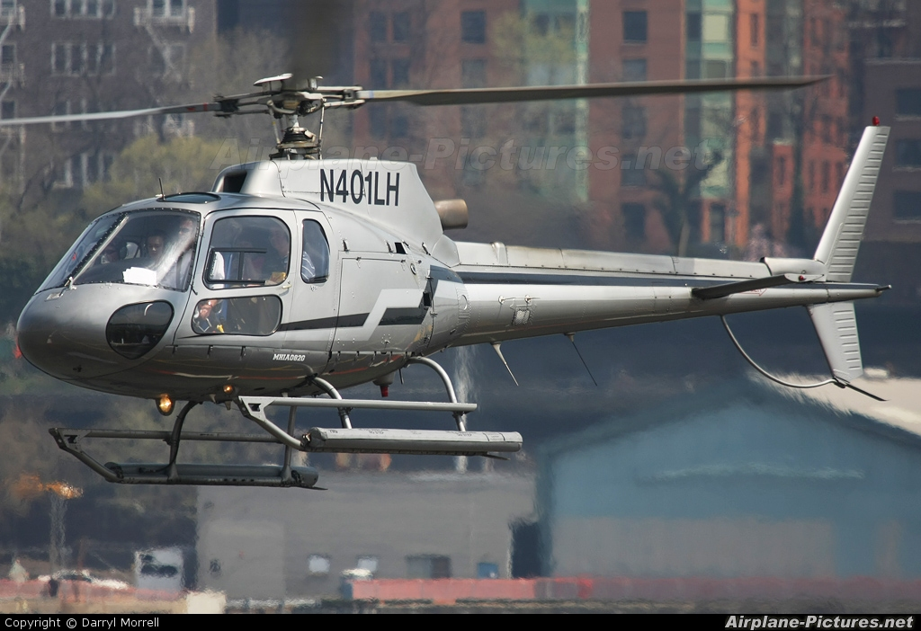 Liberty Helicopters N401LH aircraft at New York - Port Authority Downtown Manhattan / Wall Street Heliport