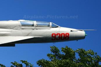 9308 - Poland - Air Force Mikoyan-Gurevich MiG-21UM