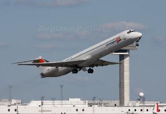 SE-RDR - Norwegian Air Shuttle McDonnell Douglas MD-82