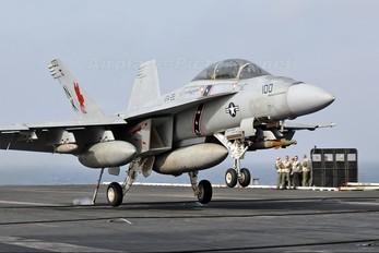 166795 - USA - Navy McDonnell Douglas F/A-18F Super Hornet