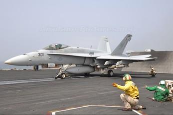164641 - USA - Navy McDonnell Douglas F/A-18C Hornet