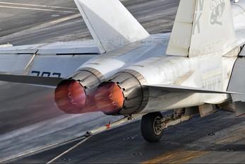 164660 - USA - Navy McDonnell Douglas F/A-18C Hornet