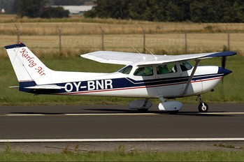OY-BNR - Karlog Air Cessna 172 Skyhawk (all models except RG)