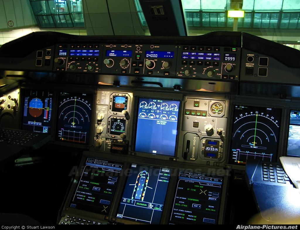 Emirates Airlines A6-EDD aircraft at Dubai Intl