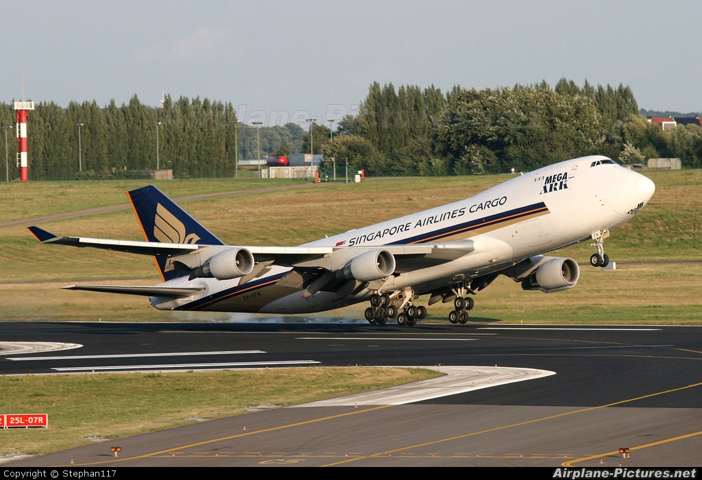 Singapore Airlines Cargo 9V-SFN aircraft at Brussels - Zaventem