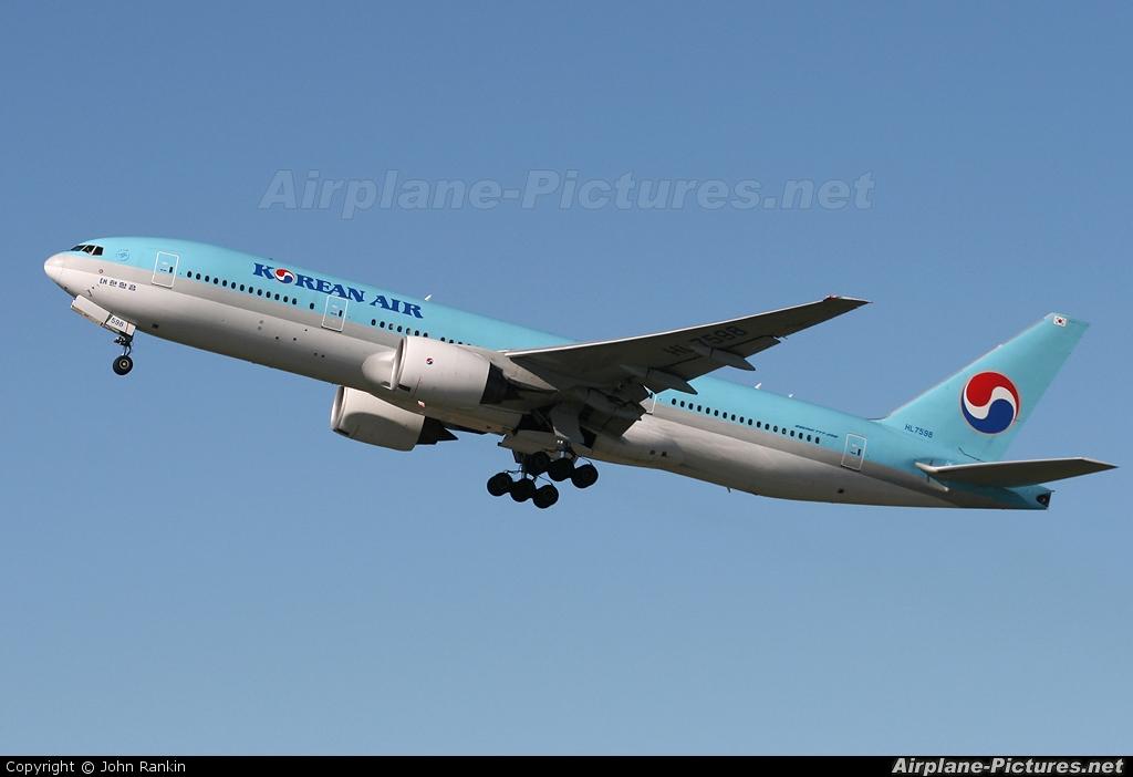 Korean Air HL7598 aircraft at Auckland Intl
