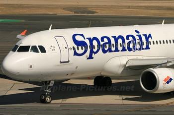 EC-IZK - Spanair Airbus A320