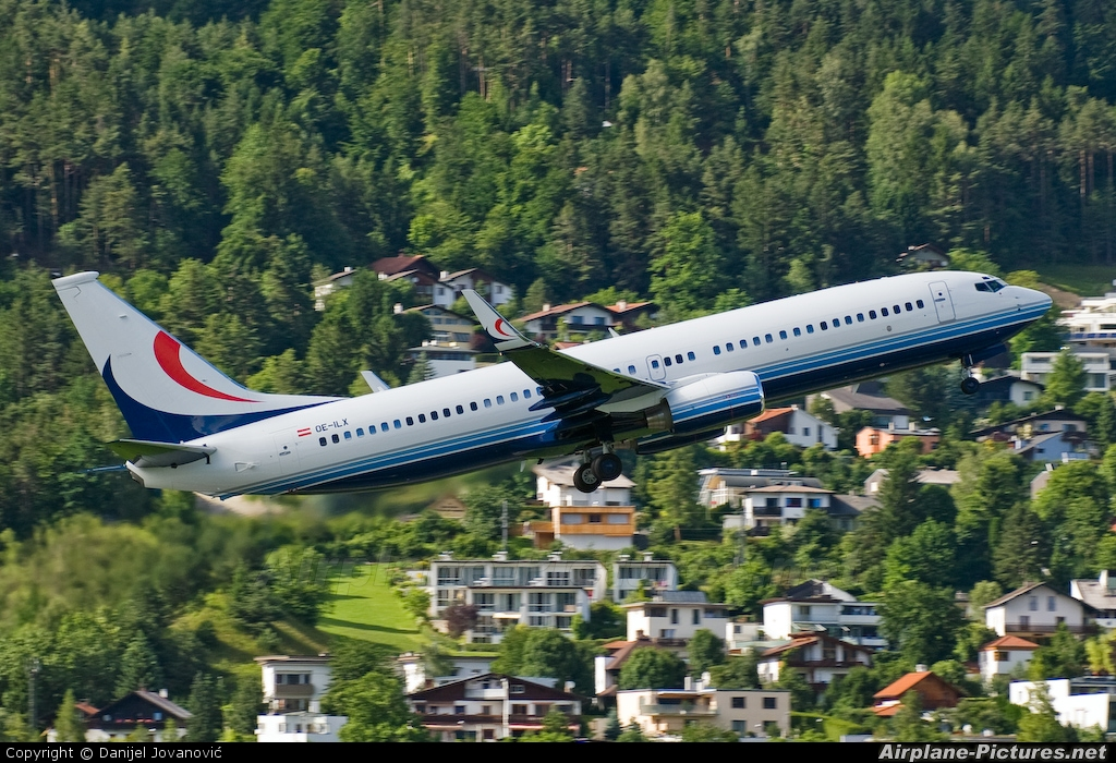 Global Jet Austria OE-ILX aircraft at Innsbruck