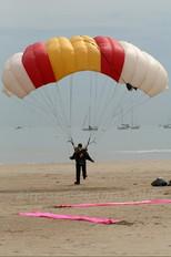 - - Parachute Parachute Parachutist