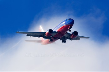 N526SW - Southwest Airlines Boeing 737-500