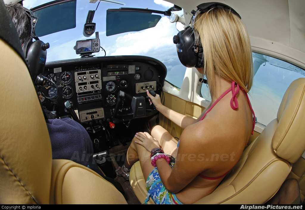 - Aviation Glamour - aircraft at In Flight - Costa Rica