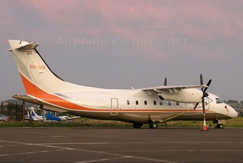 PH-SOX - Solid Air Dornier Do.328