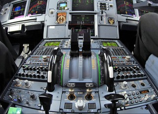 Cockpits - photo Album by Rafal S | Airplane-Pictures.net