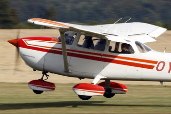 OY-PEV - Starling Air Cessna 172 Skyhawk (all models except RG)