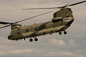 ZA707 - Royal Air Force Boeing Chinook HC.2