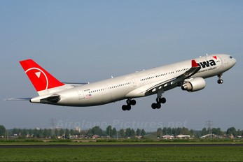 N806NW - Northwest Airlines Airbus A330-300