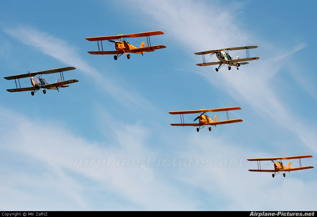 Private VH-FAS aircraft at Serpentine, WA