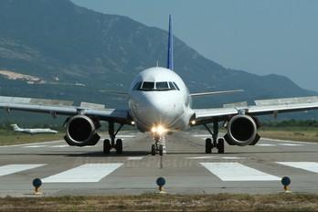 UR-DAA - Donbassaero Airbus A320