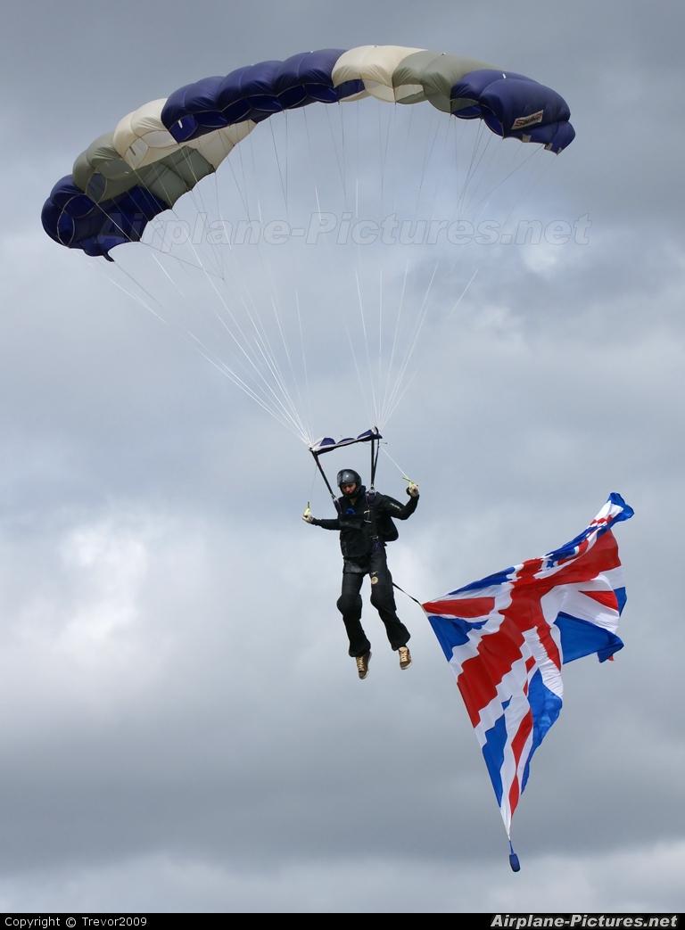 Private Parachute Parachutist At Little Gransden  Photo ID 60468  Airplane