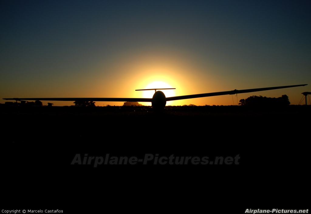 Private LV-DRN aircraft at San Andres de Giles