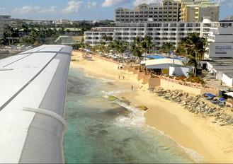 PJ-DAA - Dutch Antilles Express Fokker 100