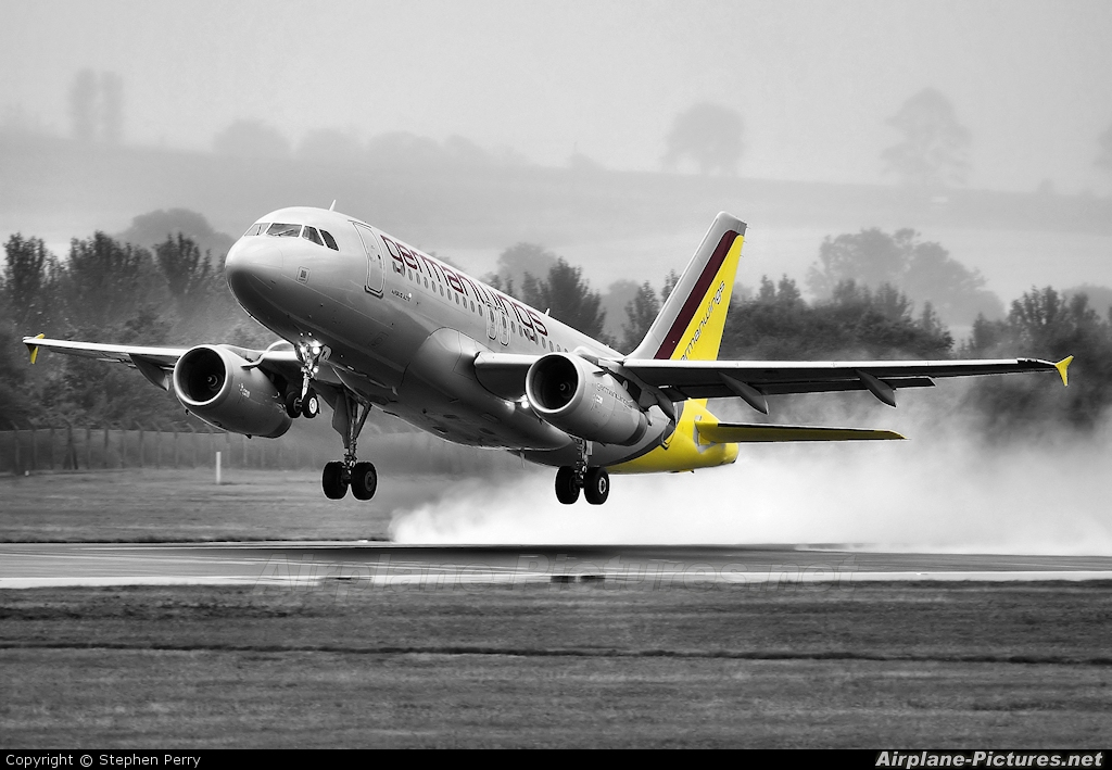 Germanwings D-AGWJ aircraft at Edinburgh