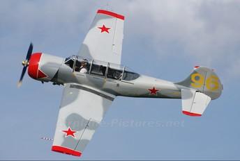 OM-YAK - Slovensky Narodny Aeroklub Yakovlev Yak-52