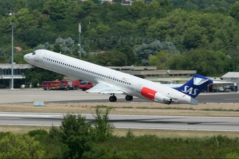 OY-KGT - SAS - Scandinavian Airlines McDonnell Douglas MD-82