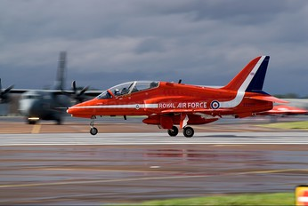 "XX266 - Royal Air Force ""Red Arrows"" British Aerospace Hawk T.1/ 1A"
