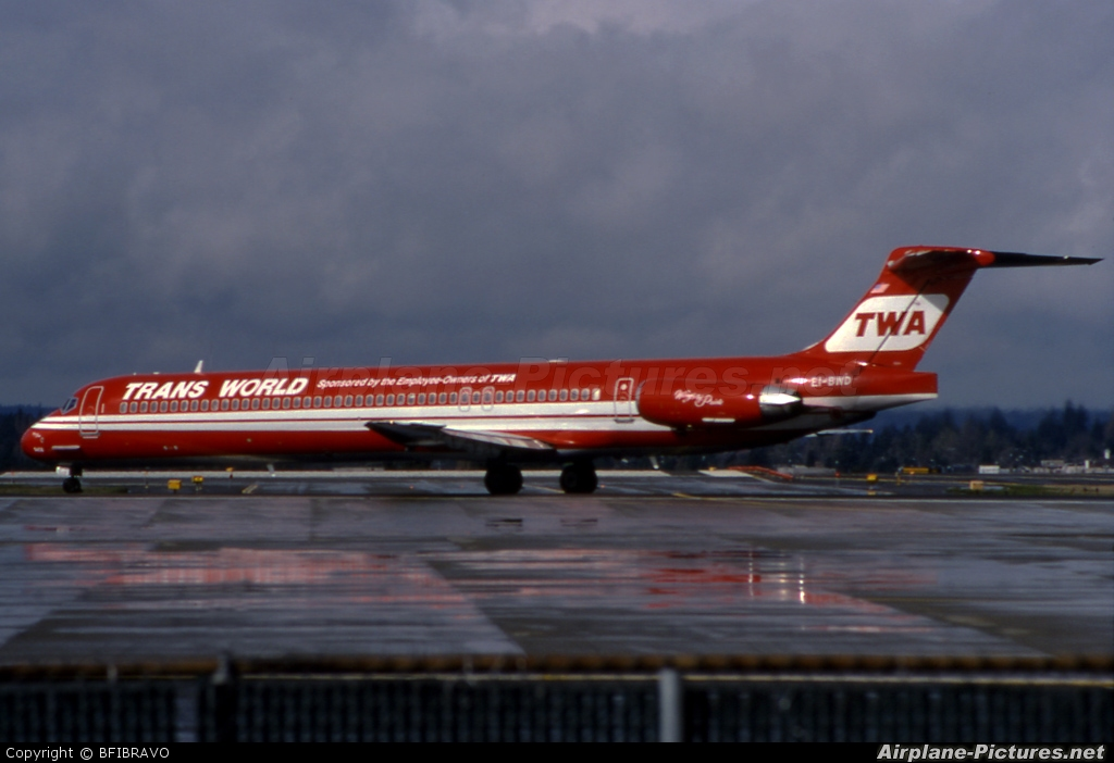 TWA EI-BWD aircraft at Seattle-Tacoma Intl