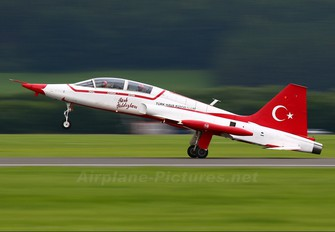 70-3016 - Turkey - Air Force : Turkish Stars Canadair NF-5A