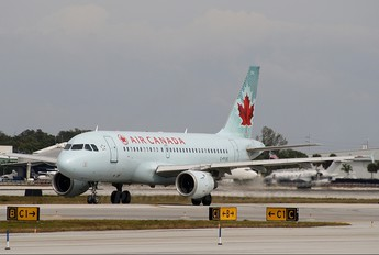 C-FYJE - Air Canada Airbus A319
