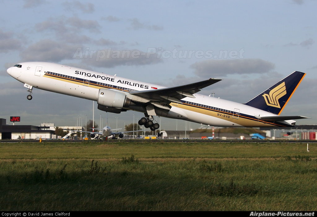 Singapore Airlines 9V-SVD aircraft at Amsterdam - Schiphol