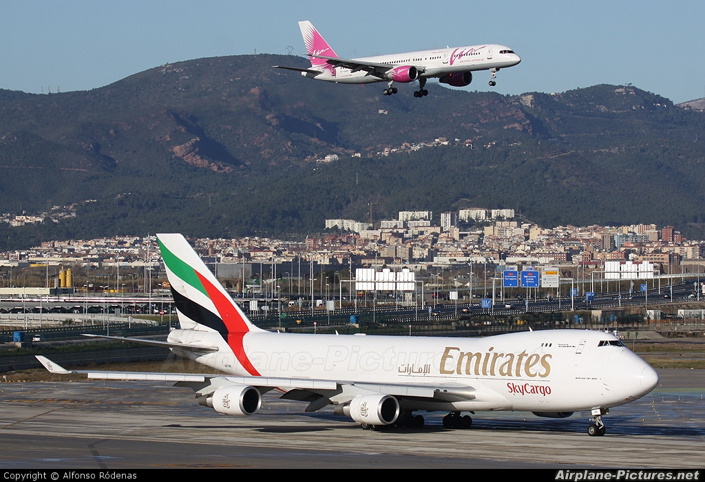 Emirates Sky Cargo N415MC aircraft at Barcelona - El Prat