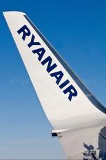 EI-DCR - Ryanair Boeing 737-800