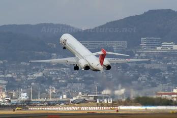 JA003D - JAL - Japan Airlines McDonnell Douglas MD-90