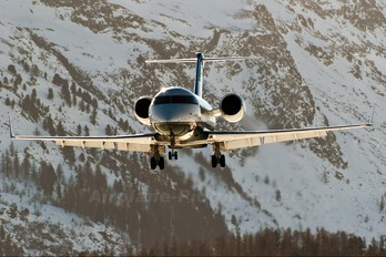 D-AIND - Private Canadair CL-600 Challenger 604