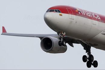 N968AV - Avianca Airbus A330-200