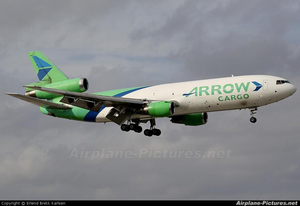 Arrow Cargo N526MD aircraft at Miami Intl