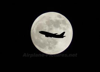 - - Unknown Boeing 737-300