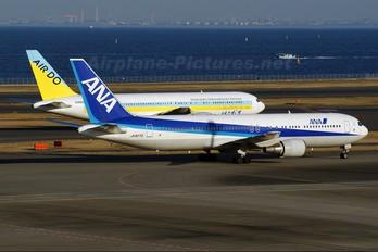 JA8273 - ANA - All Nippon Airways Boeing 767-300