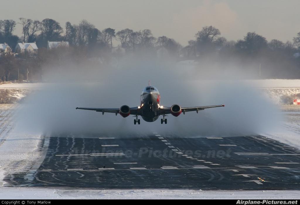 Jet2 G-CELR aircraft at Edinburgh