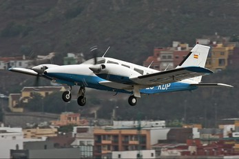 EC-KDP - Private Piper PA-34 Seneca