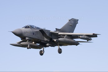 ZD842 - Royal Air Force Panavia Tornado GR.4 / 4A