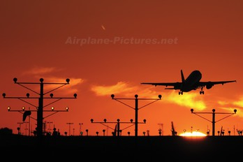 - - Unknown Airbus A319