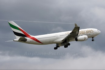 A6-EKW - Emirates Airlines Airbus A330-200