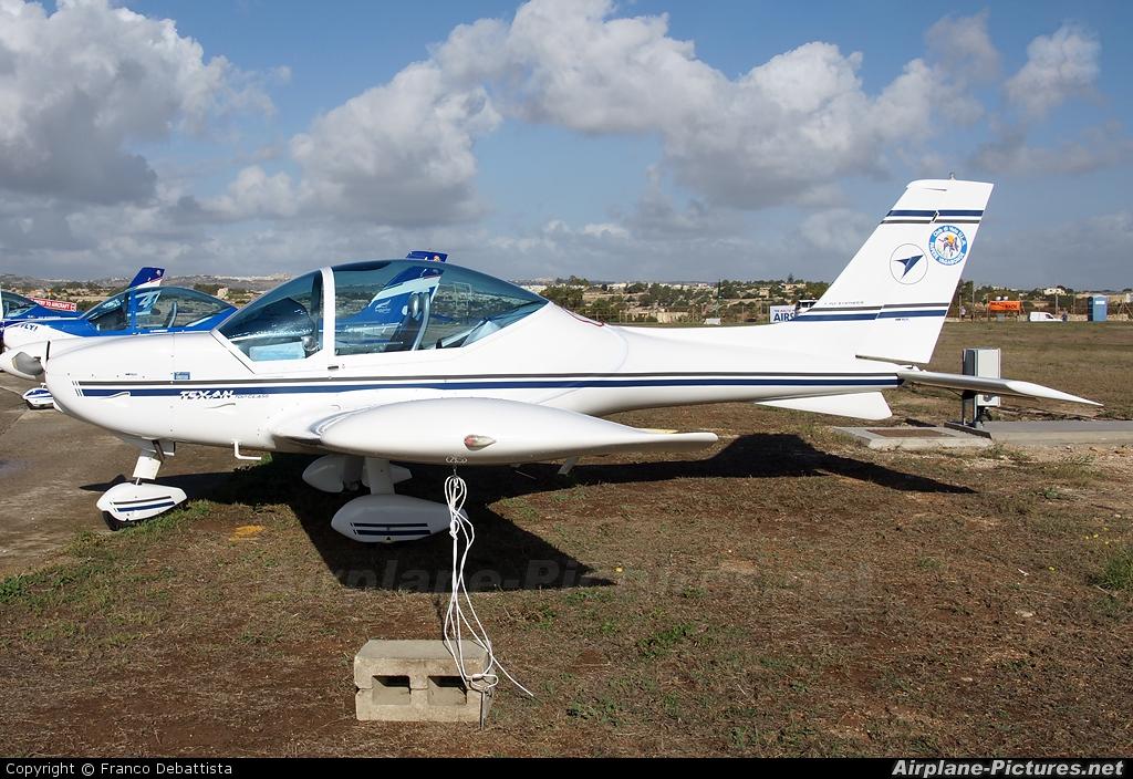 Private I-7877 aircraft at Malta Intl
