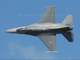 89-2083 - USA - Air Force General Dynamics F-16CG Night Falcon