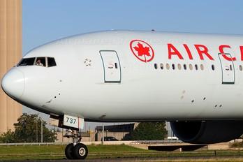 C-FIUW - Air Canada Boeing 777-300ER